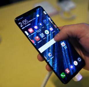 Смартфон Huawei Mate 20 Pro. Архивное фото