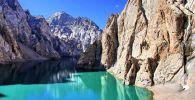 Высокогорное озеро Кол-Суу. Архивное фото