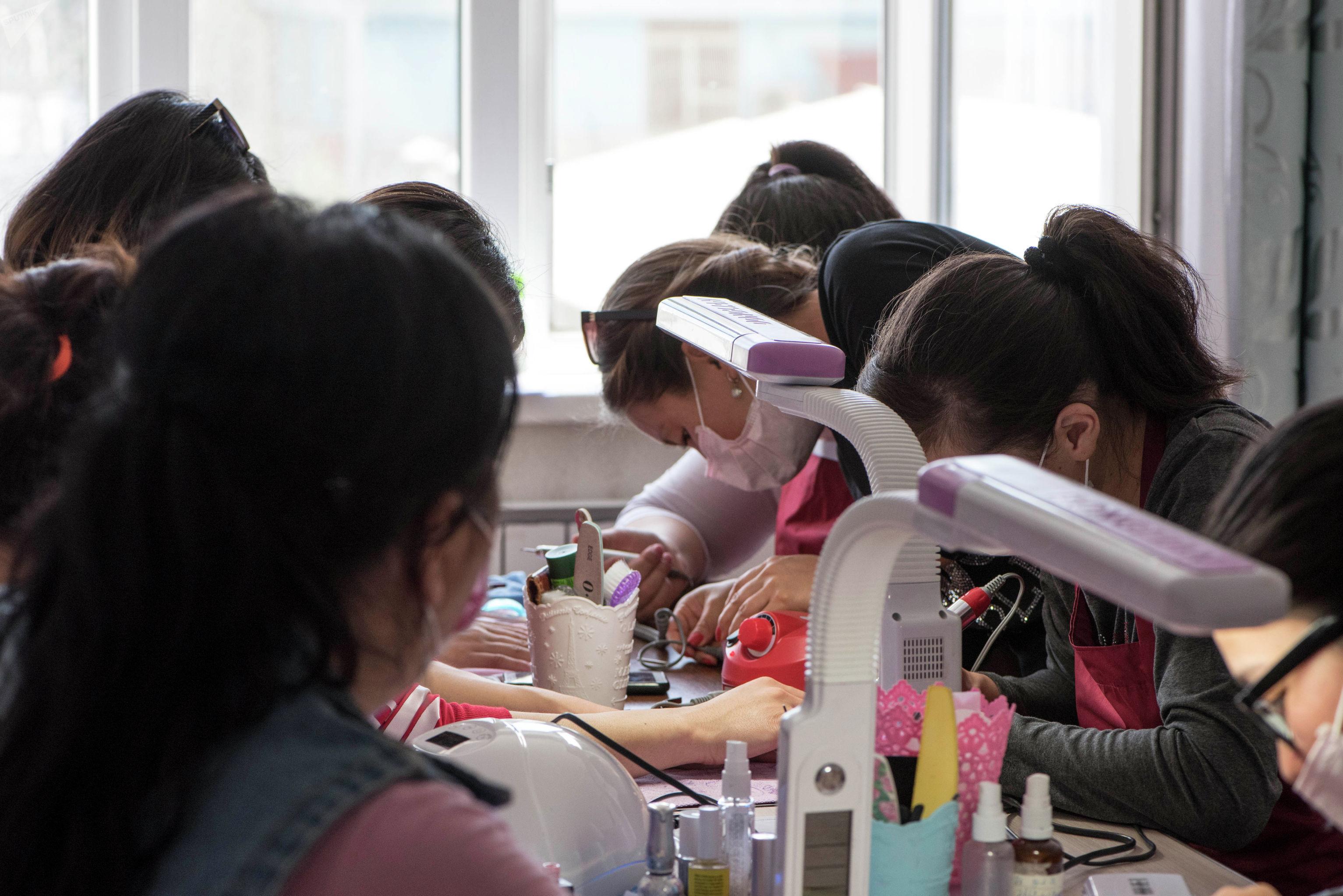 Девушки с ОВЗ работающие в общественном объединении Равенство