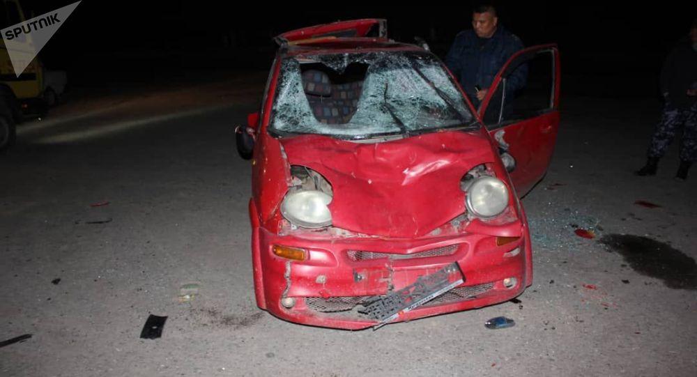 Автомобиль марки Daewoo Matiz на котором был совершен наезд на пешехода в селе Жылалды Узгенского района
