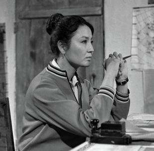 Актриса Таттыбүбү Турсунбаева