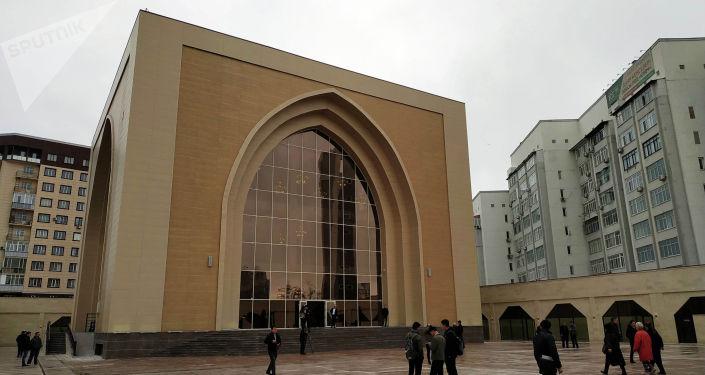 Открытие мечети 7 апрель шейиттери в Бишкеке. Архивное фото