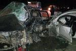 Последствия ДТП в селе Бактуу-Долоноту, где столкнулись автомашины Volkswagen Golf 3  и Toyota Ist.