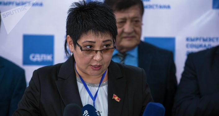Исполняющая обязанности председателя Социал-демократической партии Асель Кодуранова. Архивное фото
