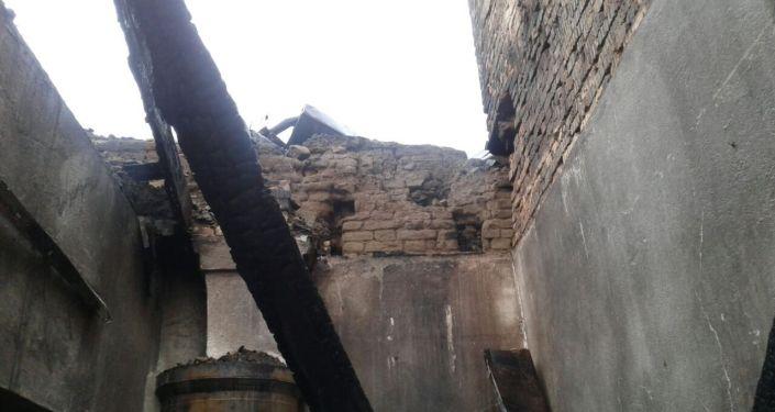 В Караколе в бывшем Доме пионеров 6 апреля произошел пожар