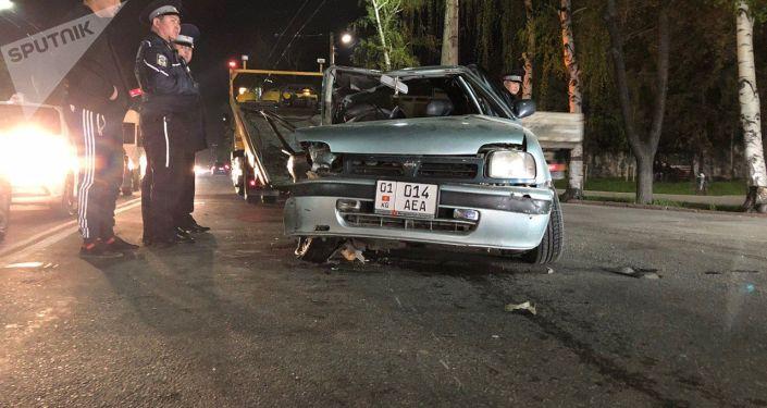 Последствия ДТП на пересечении улиц Байтик Батыра и Суеркулова