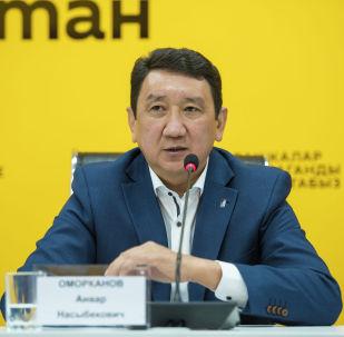 Хоккей федерациясынын президенти Анвар Оморканов