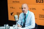 Глава отдела защиты детей представительства ЮНИСЕФ в Кыргызстане Лучио Сарандреа во время беседы на радио Sputnik Кыргызстан