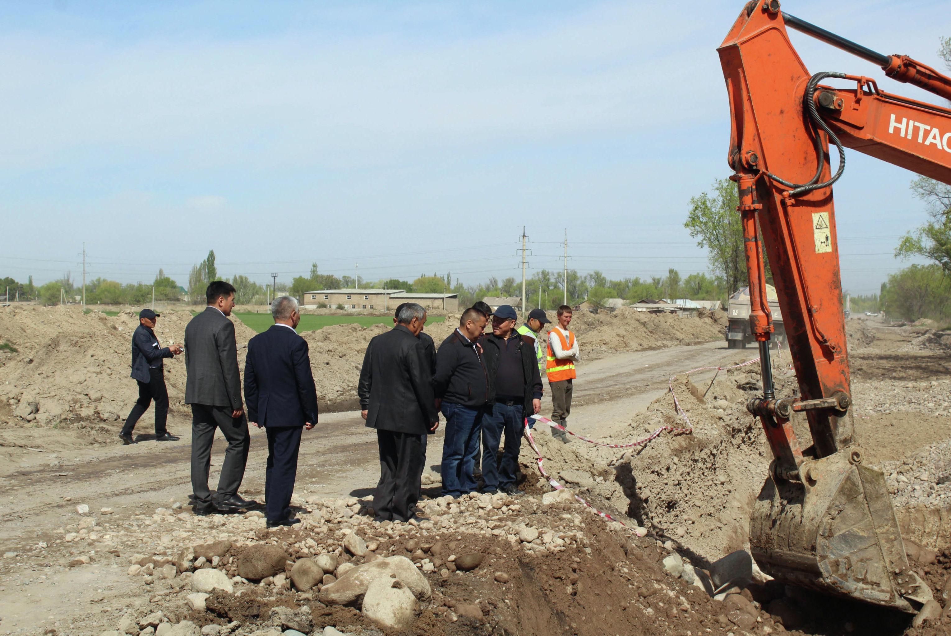 На трассе Бишкек — Торугарт в этом году завершится строительство надземного пешеходного перехода