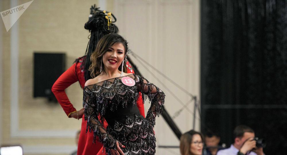 Участницы конкурса красоты Миссис Кыргызстан — 2019 в Бишкеке