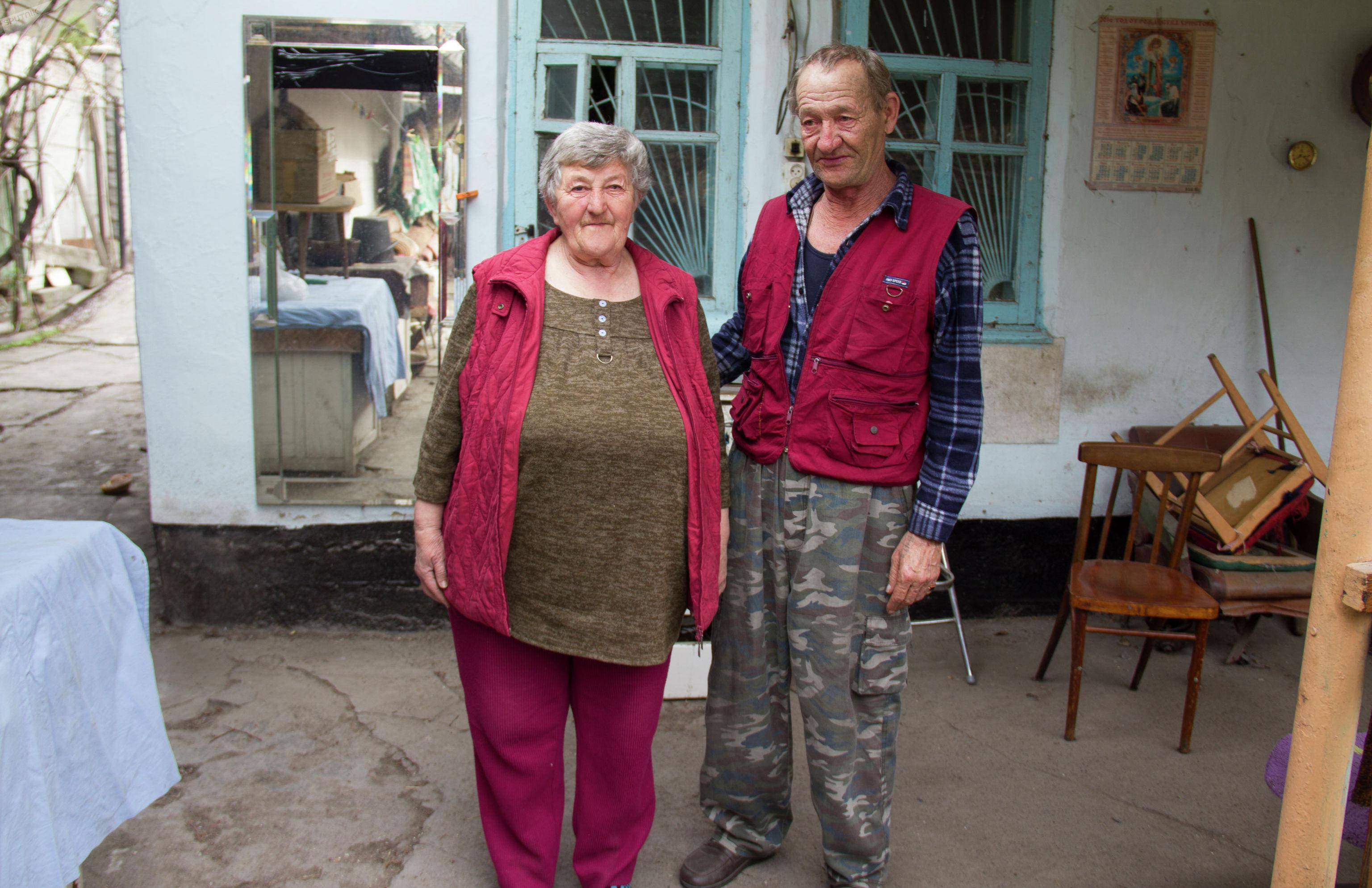 Жительница Бишкека Елизавета Васильевна с мужем Виктором Дмитриевичем
