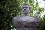 Памятник путешественнику и натуралисту Николаю Пржевальскому. Архивное фото