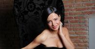 Популярная телеведущая, модель и актриса Шорена Бегашвили во время съемок первого в Грузии ток-шоу о сексе Ночь с Шореной в студии в Тбилиси. Архивное фото