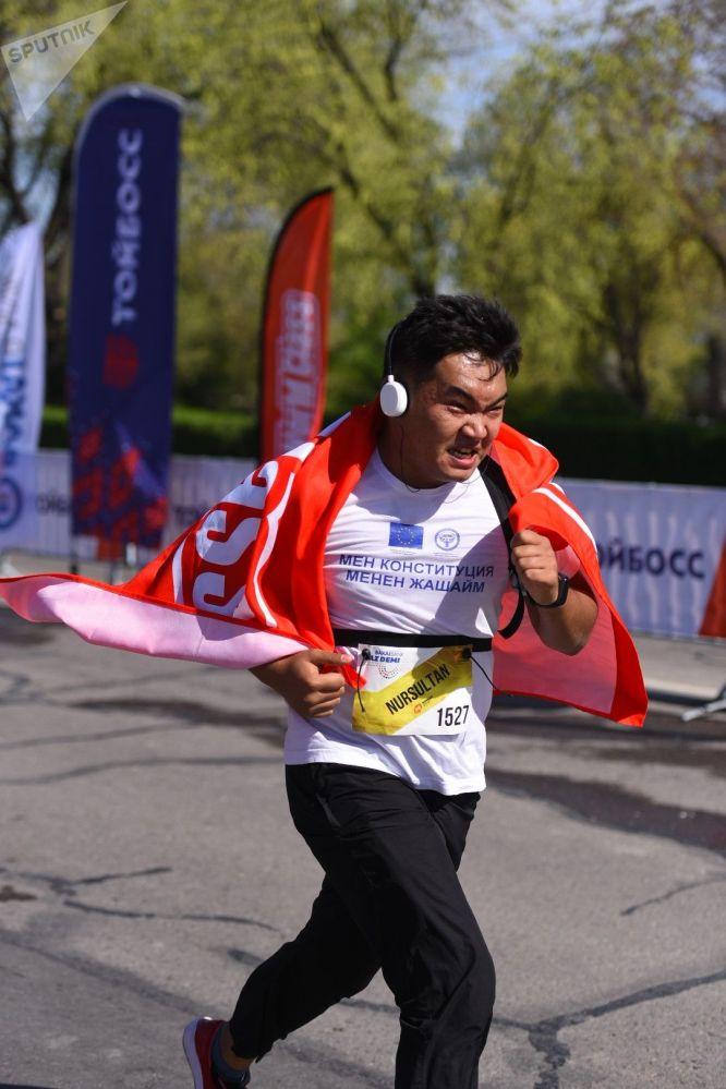 Для взрослых тоже было три дистанции — на 5, 10 и 21 километр