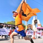 На трассе Бишкек — аэропорт Манас прошел весенний полумарафон Бакай Банк Жаз Деми. В нем приняли участие 1 500 человек. Цель полумарафона — популяризация спорта.