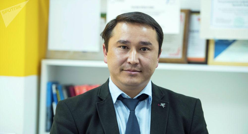 Кыргызстандын юридикалык клиникалык бирикмесинин президенти Артур Бакиров