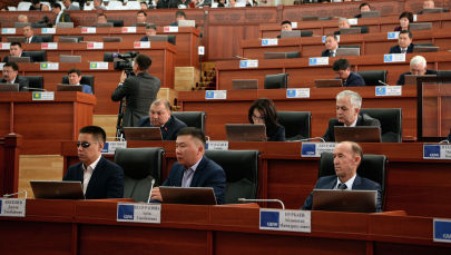 Жогорку Кеңеште депутаттардын отуруму. Архивдик сүрөт