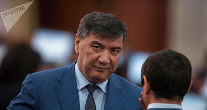 Жогорку Кеңештин депутаты Искендер Матраимов. Архивдик сүрөт