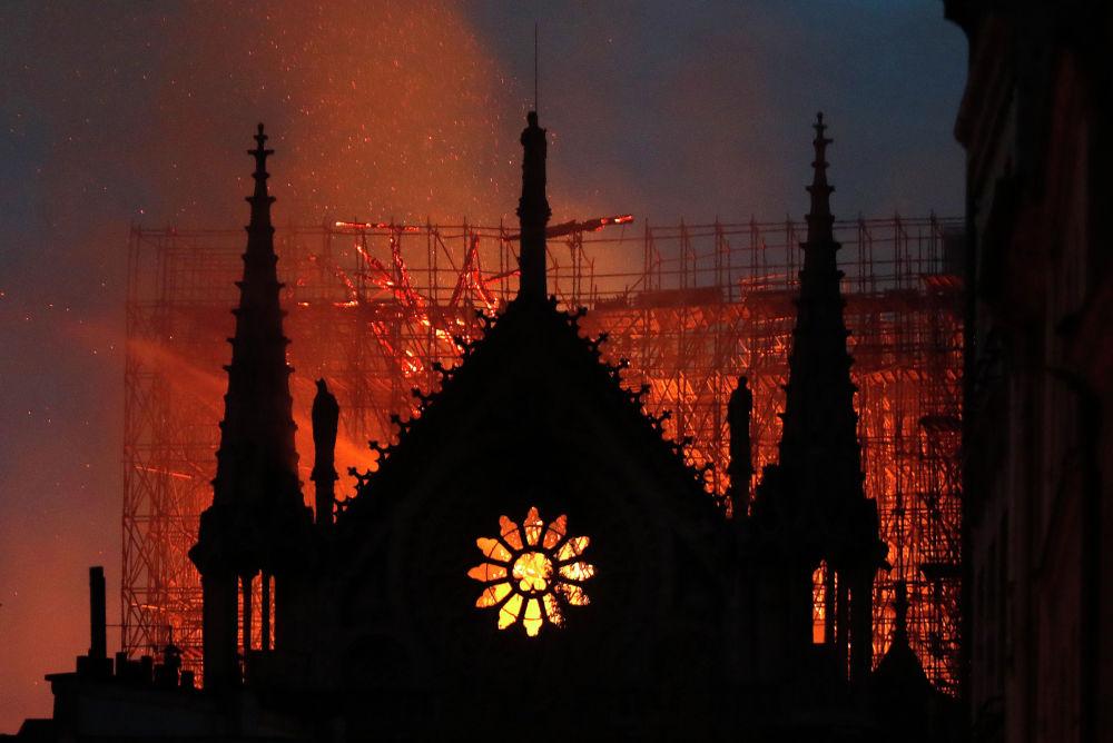 К тушению пожара было приковано внимание всего мира. Свой совет дал даже президент США Дональд Трамп.