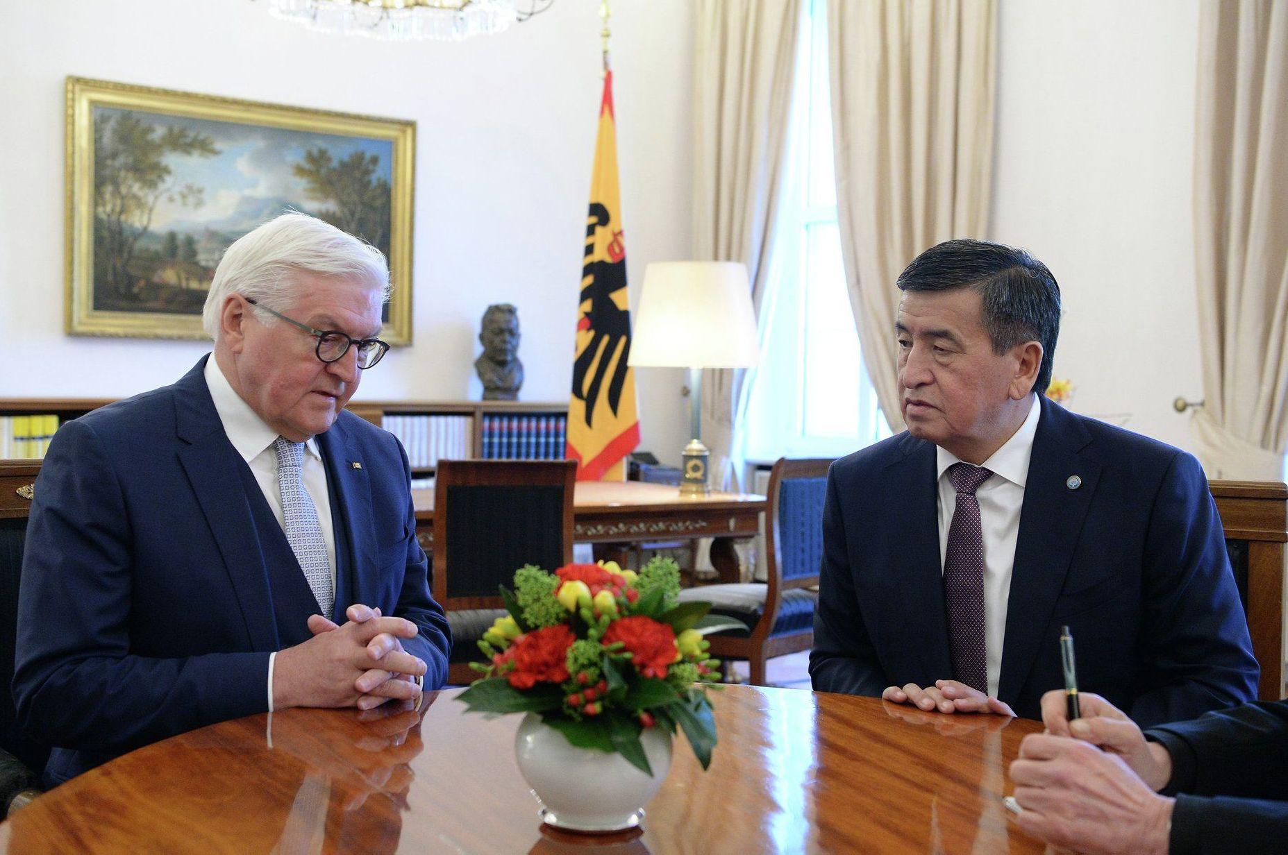 Президент Кыргызской Республики Сооронбай Жээнбеков встретился с Федеральным президентом Германии Франк-Вальтером Штайнмайером в Берлине.