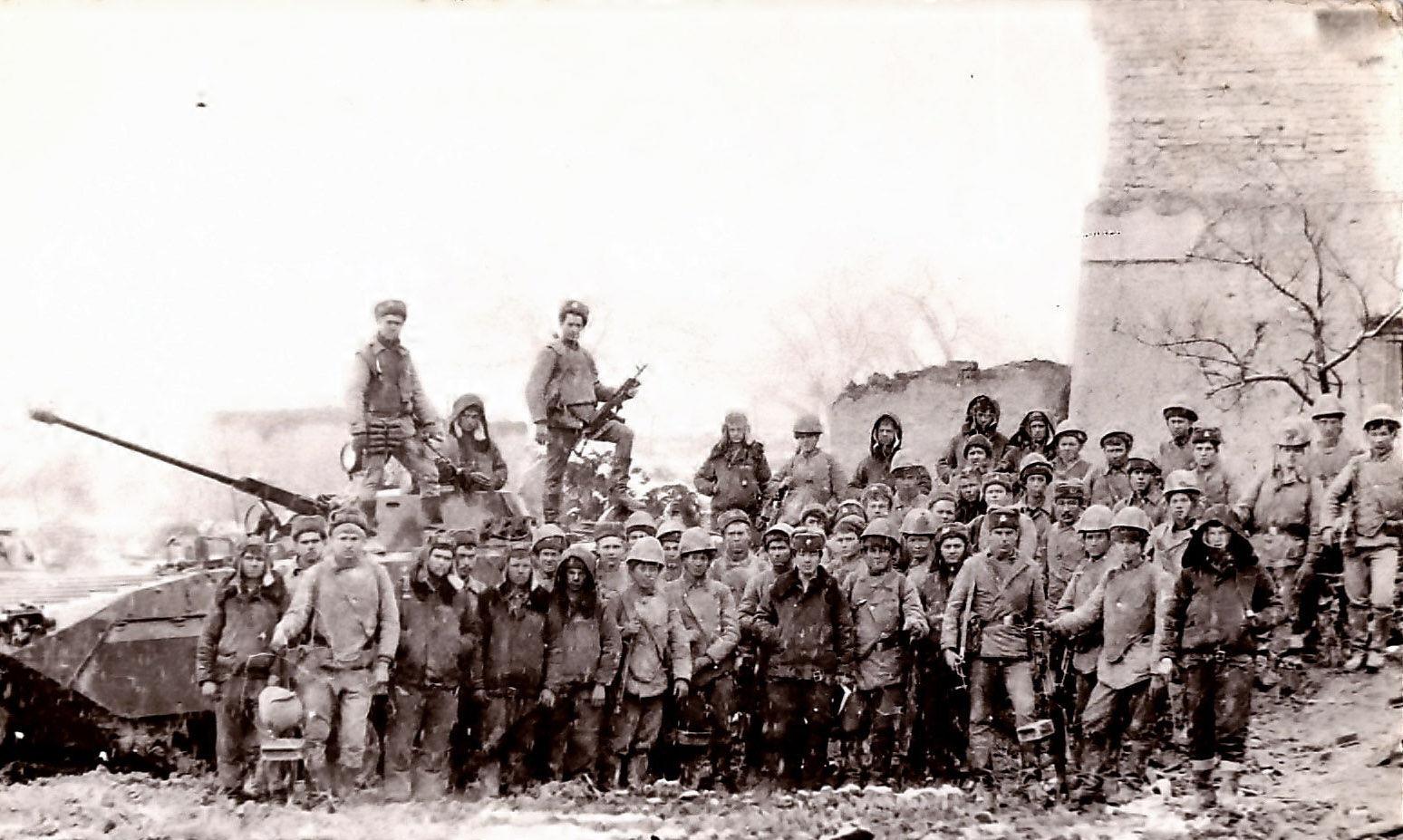 Фотография 2-й роты второго  мусульманского батальона в городе Гульбахор