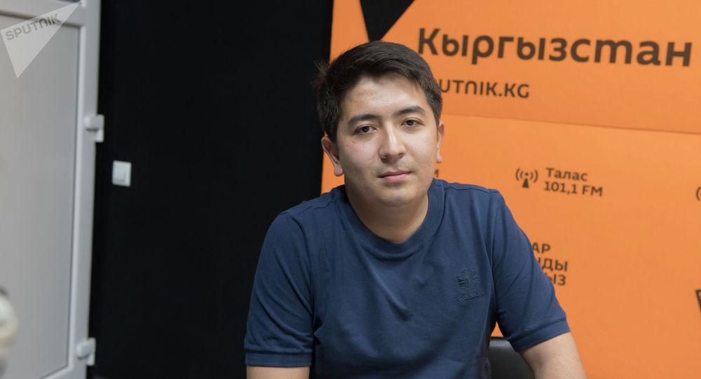 Улуттук онкология жана гематология борборунун гематолог дарыгери Эрбол Садабаев