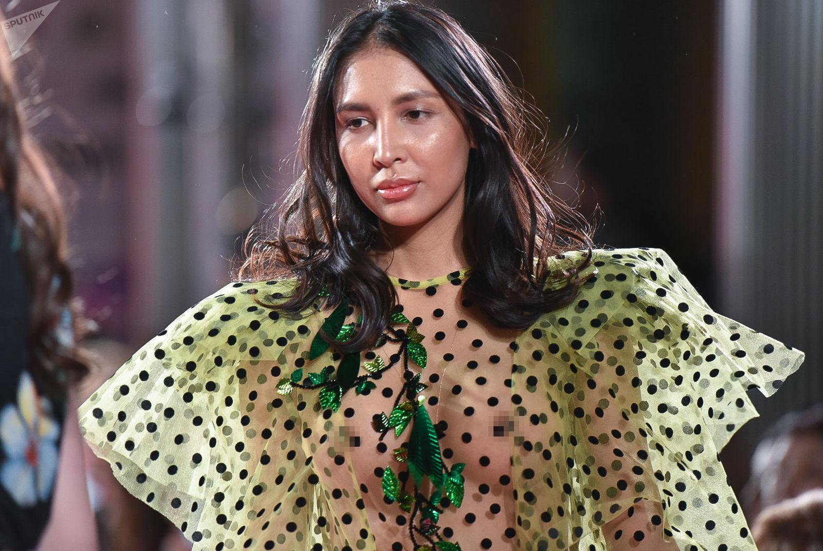 Модель Динагул Тасова на открытии Kazakhstan Fashion Week