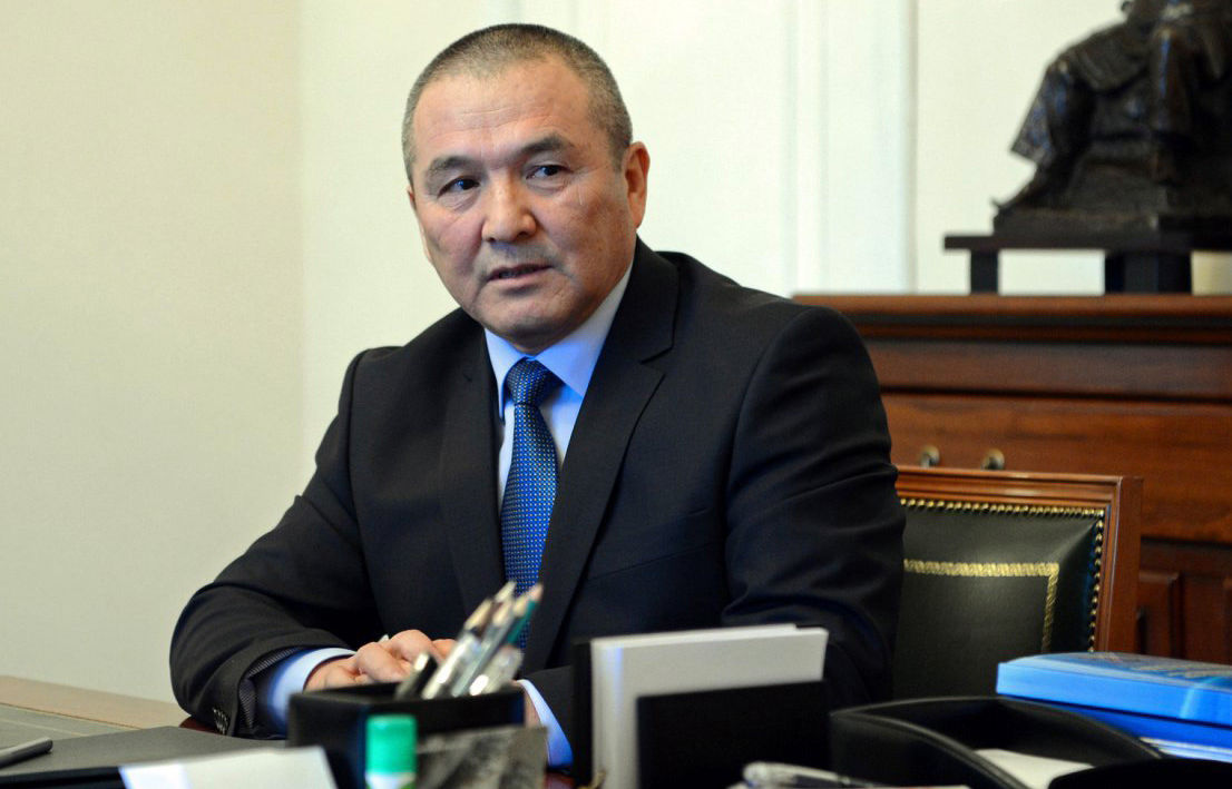 Министр транспорта и дорог Жамшитбек Калилов на приеме у президента КР