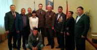В посольстве России в Кыргызстане состоялась церемония вручения медали За боевые заслуги ветерану афганской войны Эмилбеку Акунову.
