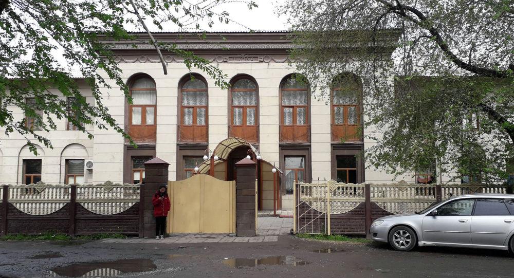 Новопавловка айылындагы Чыңгыз Айтматов атындагы №1 лицейи. Архивдик сүрөт