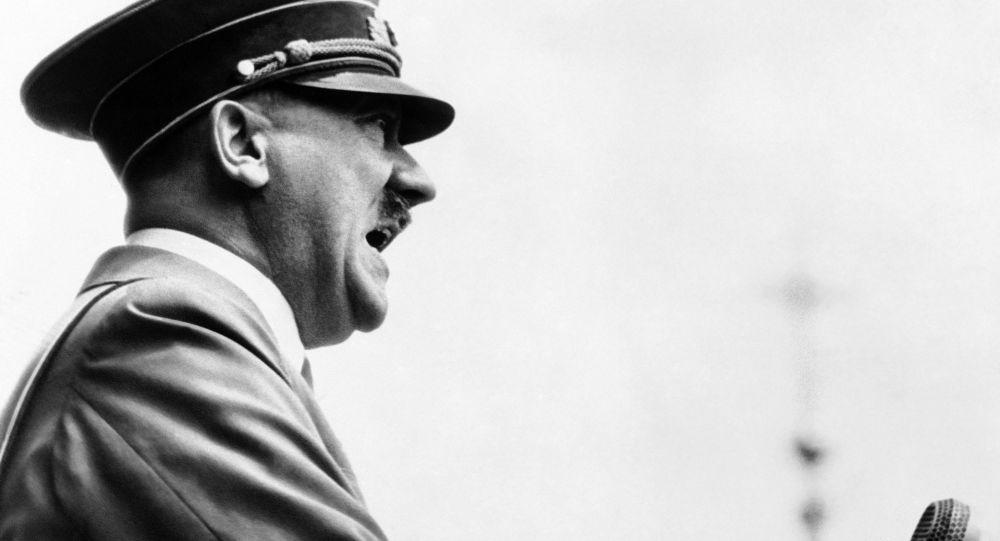 Адольф Гитлердин архивдик сүрөтү
