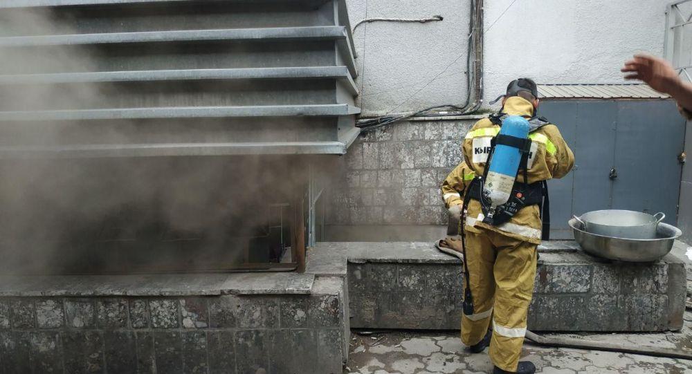 Бишкектин борборундагы кафеде өрт чыкты