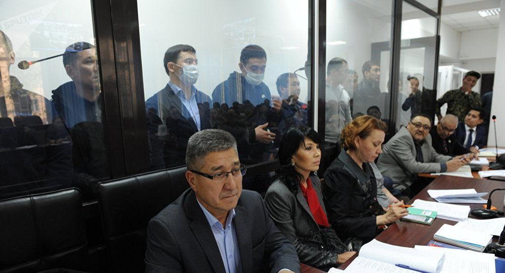 Экс-депутат Жогорку Кенеша Дамирбек Асылбек уулу в зале суда