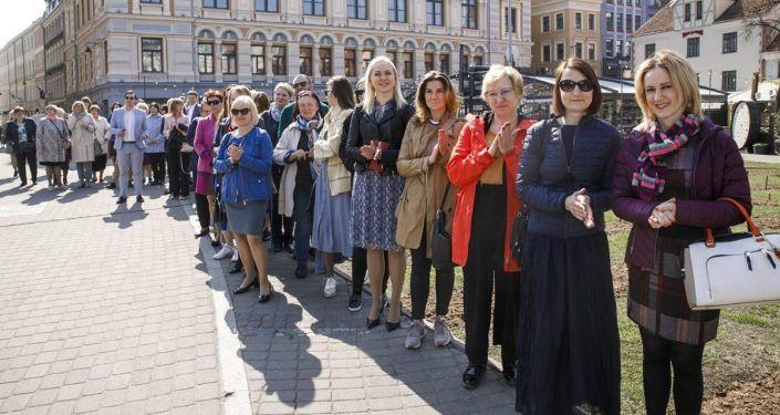 В столице Латвии открылась фотовыставка Живописный Кыргызстан в сердце Риги. 23 апреля 2019 года