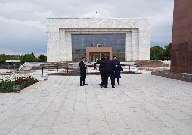 Лидер фракции Ата-Мекен Алмамбет Шыкмаматов на митинге против добычи урана в Бишкеке
