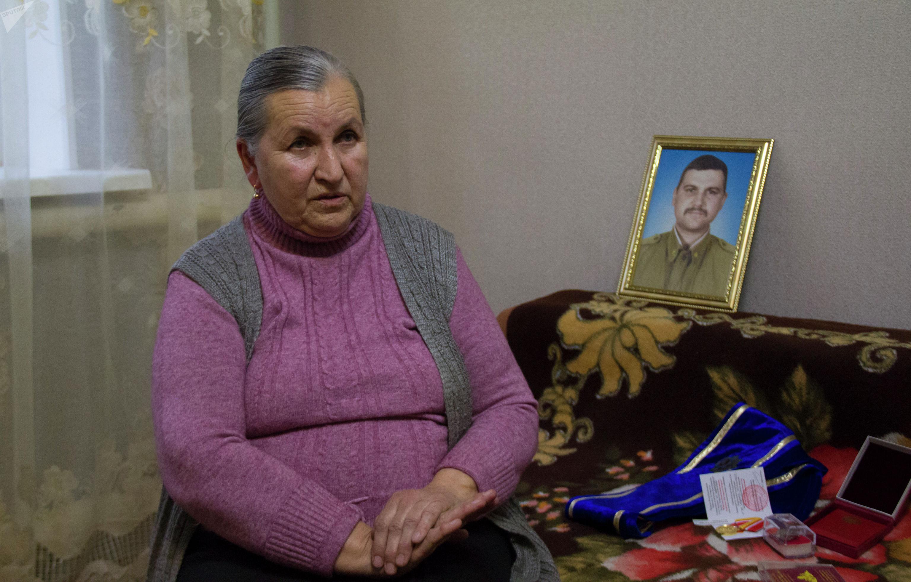 Мать погибшего солдата при Баткенских событиях Оля Арджиманова