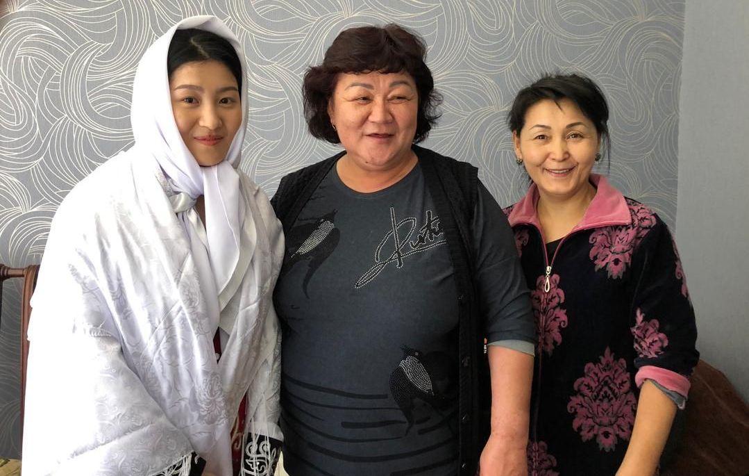Супруги, кыргызстанец Баатыр и монголка Номин