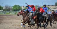 Бишкектеги Ак-Кула ат майданында көк бөрү жана улуттук ат оюндары боюнча мелдештин финалы болуп өттү