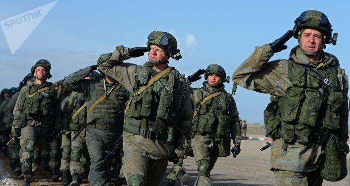 Военнослужащие армии России на учениях. Архивное фото
