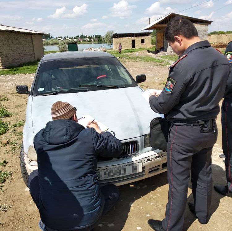 В Бишкеке 33-летний мужчина подозревается в том, что привязал племянника к автомобилю BMW и протащил по земле несколько метров