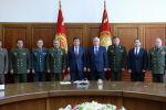 Президент Сооронбай Жээнбеков Бишкектеги жыйынга келген ЖККУга мүчө мамлекеттердин коргоо министрлерин кабыл алды