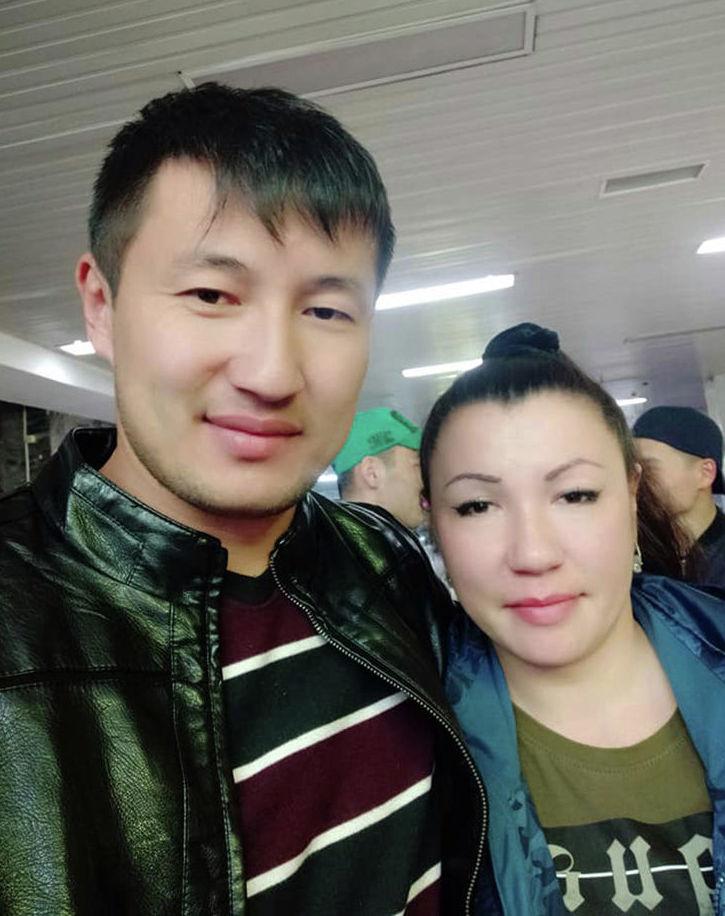 Россиянка Наталья с братом по отцовской линии Чынгызом Абыкеевым
