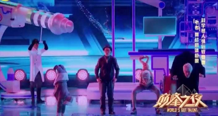 Атай Омурзаков со своей новой группой Тотем шоу поразили жюри международного конкурса талантов World's Got Talent в Китае.