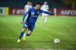 Нападающий футбольного клуба Дордой Мирлан Мурзаев. Архивное фото