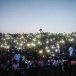 Суданда өткөн толкундоолор. Аскердик төңкөрүш төрт айга созулган акциялардан кийин 11-апрелде болгон. Президент Омар аль-Башир бийликтен четтетилип, абакка камалган.
