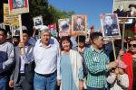 Экс-президент Алмазбек Атамбаев үй-бүлөсү менен Өлбөс полктун жүрүшүнө чыкты