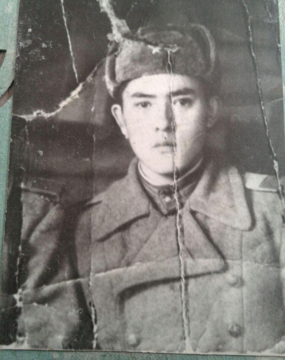Ветеран ВОВ Тенти Тамашаев в молодости