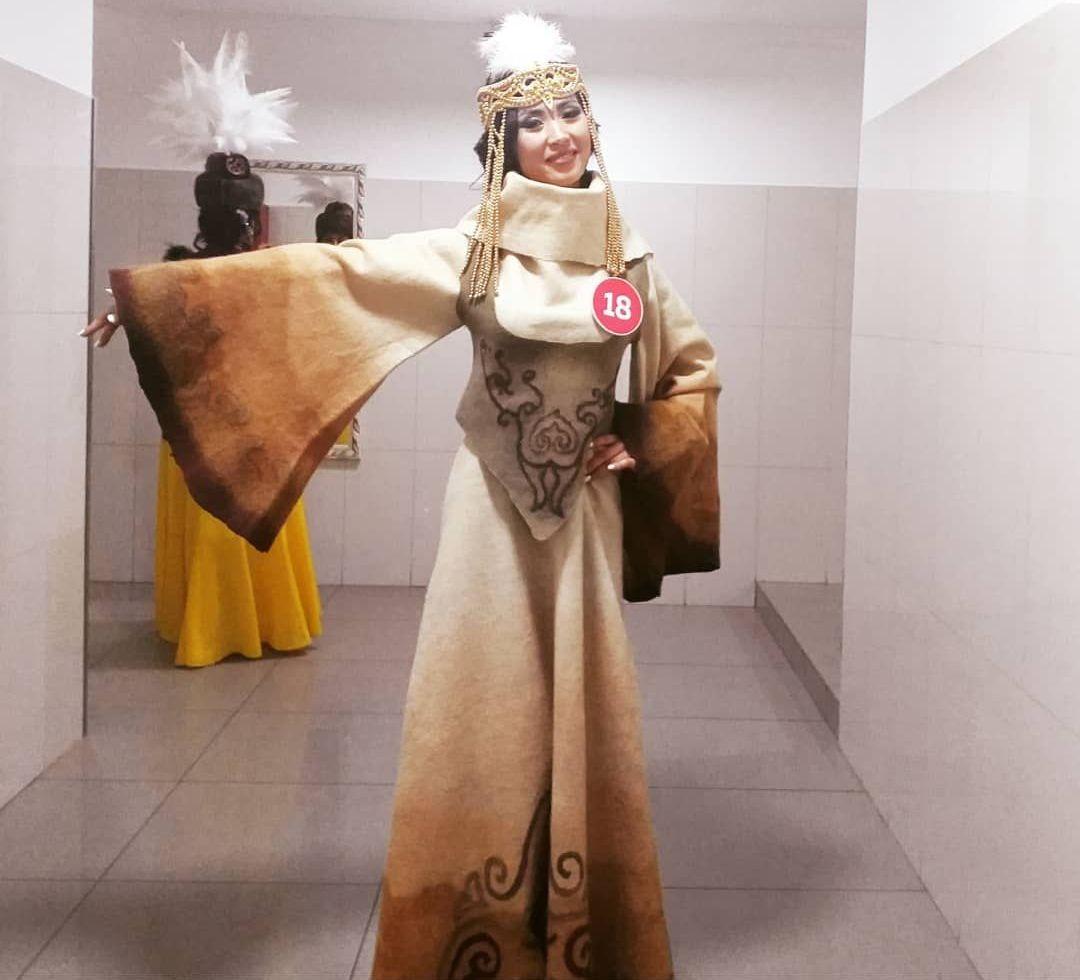 Диктор телеканала СТВ Зуля Тургунбекова