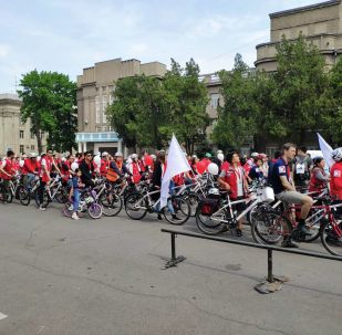 В Бишкеке сегодня, 12 мая, прошел благотворительный велозаезд