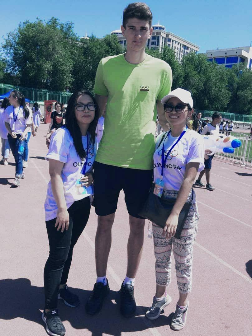 Волейболист Роман Шилов с ростом 2,13 метр